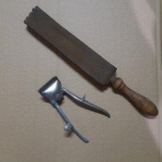 Antigüedades: AFILADOR DE NAVAJAS DE AFEITAR EN CUERO Y CORTAPELO ANTIGUO. Lote 180144508