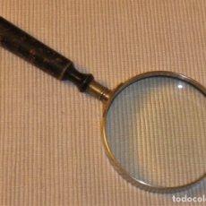 Antigüedades: ANTIGUA LUPA 8 CM DE DIÁMETRO CON MANGO DE MADERA. Lote 180146268
