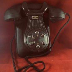 Teléfonos: ANTIGUO TELÉFONO BAQUELITA MARRÓN, DE STANDARD ELÉCTRICA, PARA LA CTNE. Lote 180151933