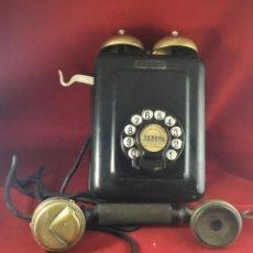Teléfonos: ANTIGUO TELÉFONO STANDARD ELÉCTRICA, METÁLICO, CON CAMPAÑAS EXTERNAS. Lote 180152146