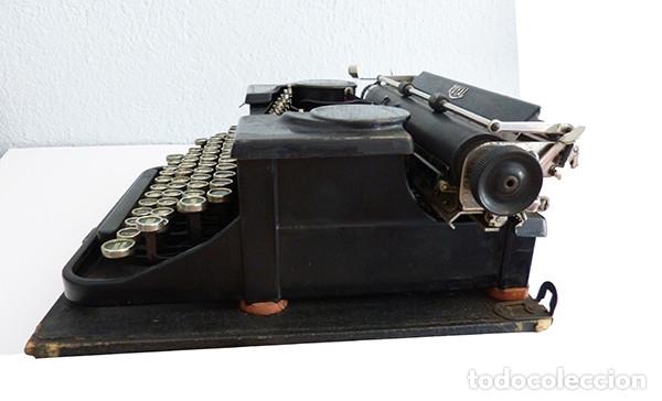 Antigüedades: Máquina de escribir portátil Royal P - Foto 5 - 180163925