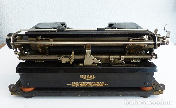 Antigüedades: Máquina de escribir portátil Royal P - Foto 7 - 180163925