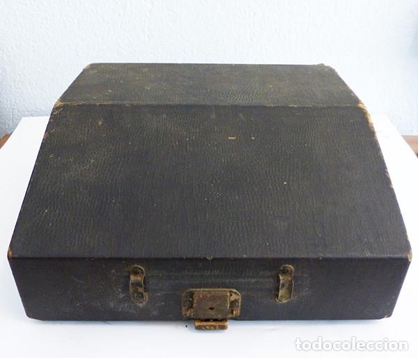 Antigüedades: Máquina de escribir portátil Royal P - Foto 9 - 180163925