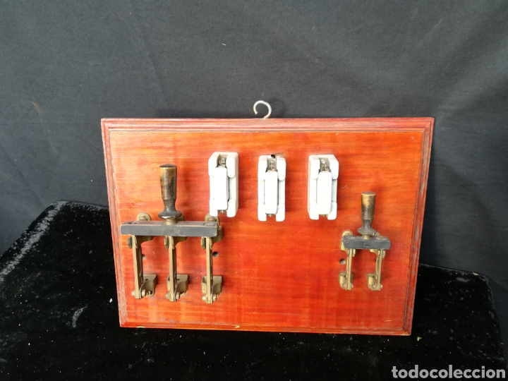 CUADRO DE INTERRUPTOR Y FUSIBLES ANTIGUOS DE PORCELANA (Antigüedades - Técnicas - Herramientas Profesionales - Electricidad)