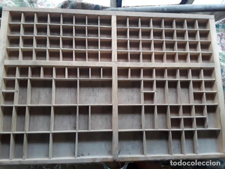 BANDEJA LETRAS IMPRENTA MEDIDAS 80,5 X 54 (Antigüedades - Técnicas - Herramientas Profesionales - Imprenta)