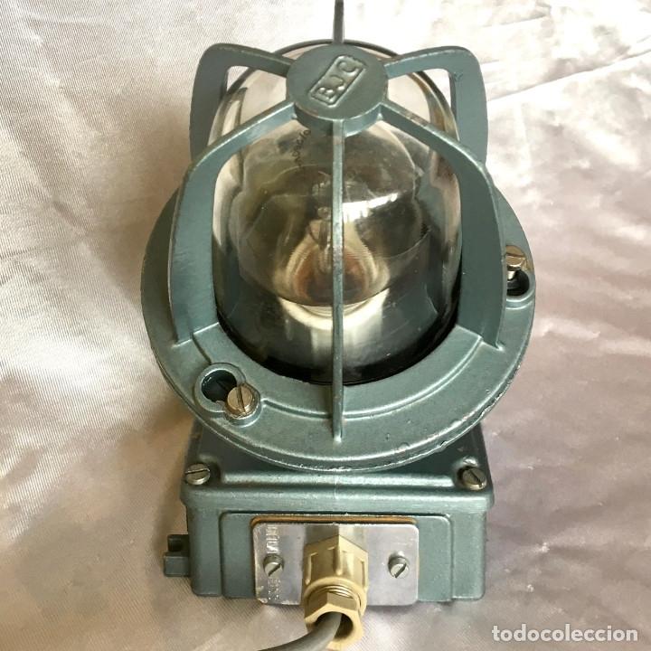 Antigüedades: Antigua lámpara industrial de exterior FLECTOR de BJC, años 60 - Foto 3 - 180244267