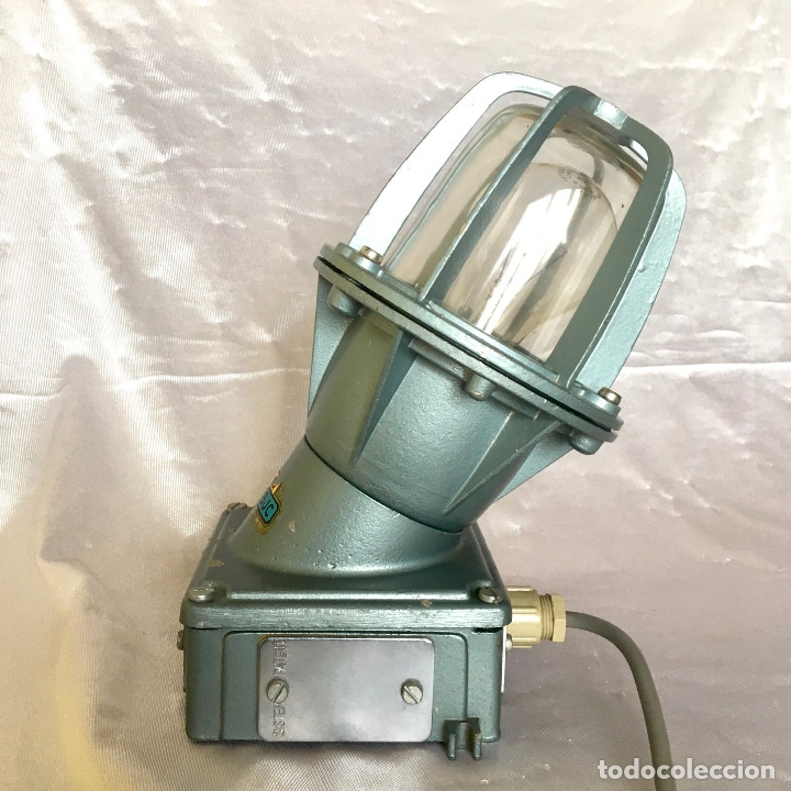 Antigüedades: Antigua lámpara industrial de exterior FLECTOR de BJC, años 60 - Foto 7 - 180244267