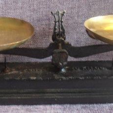 Antigüedades: BALANZA MARCA FORCE, PARA 10 KILOS. Lote 180259546