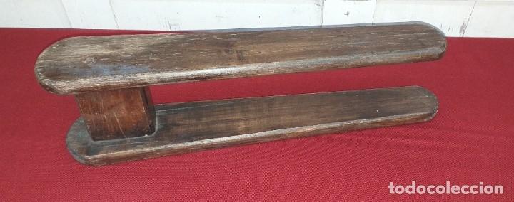 ANTIGUA TABLA DE PLANCHAR (Antigüedades - Técnicas - Planchas Antiguas - Varios)