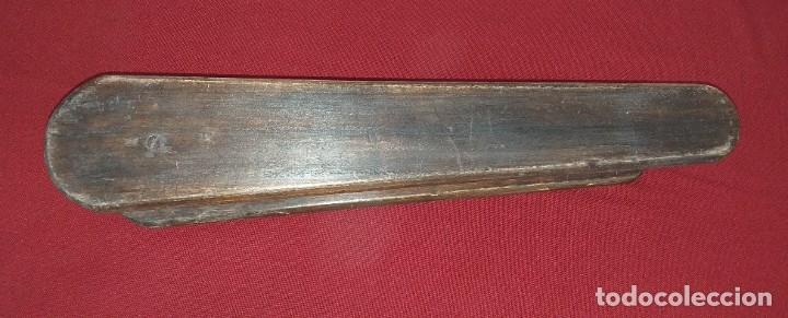 Antigüedades: ANTIGUA TABLA DE PLANCHAR - Foto 5 - 180333097