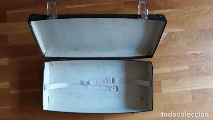 Antigüedades: Báscula, balanza, pesa bebes marca Chicco con maleta original para facilitar el transporte - Foto 21 - 180335543