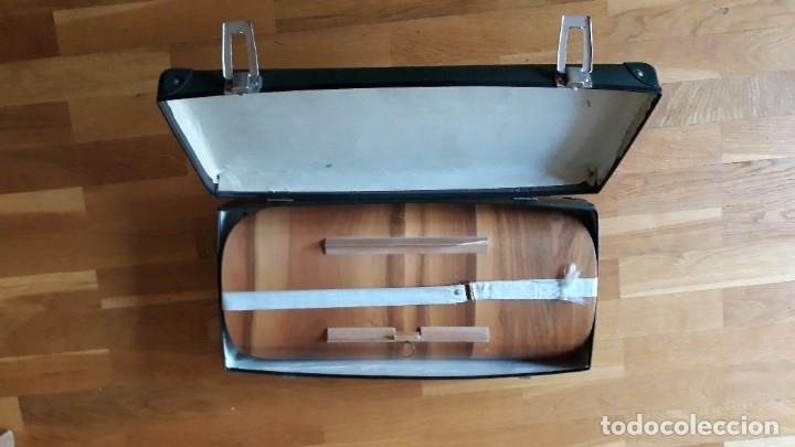 Antigüedades: Báscula, balanza, pesa bebes marca Chicco con maleta original para facilitar el transporte - Foto 25 - 180335543