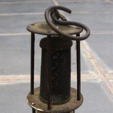 Antigüedades: PEQUEÑA LAMPARA DE MINAS DE LATON Y HIERRO, DORTMUND (ALEMANIA) 1929 (16CM APROX). Lote 180390341