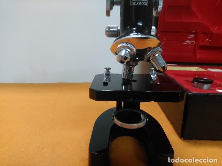 Antigüedades: MICROSCOPIO BOB CON CAJA Y EXTRAS - Foto 2 - 180396483