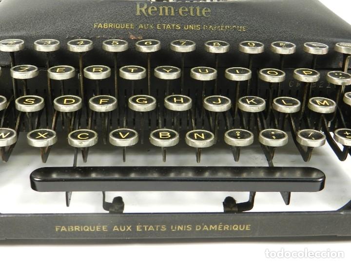 Antigüedades: MAQUINA DE ESCRIBIR REMINGTON REM-ETTE AÑO 1939 TYPEWRITER SCRHEIBMASCHINE - Foto 3 - 180479885