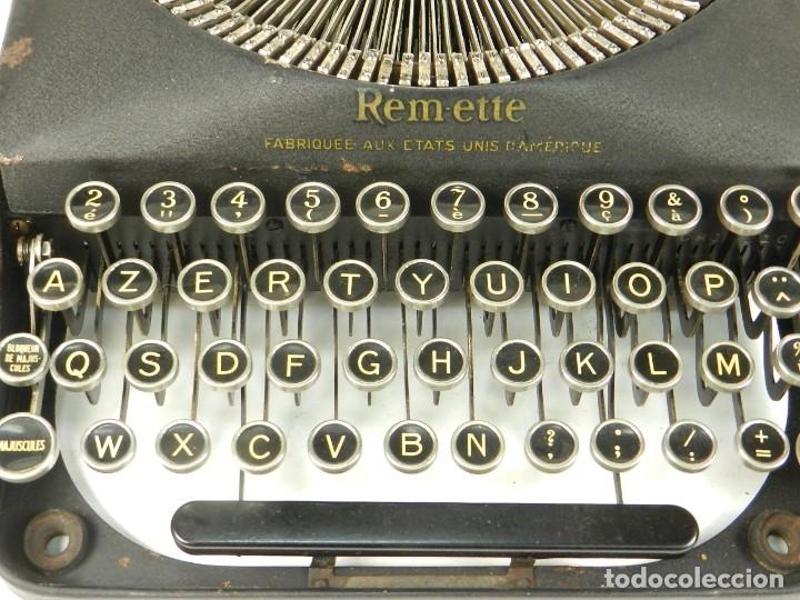 Antigüedades: MAQUINA DE ESCRIBIR REMINGTON REM-ETTE AÑO 1939 TYPEWRITER SCRHEIBMASCHINE - Foto 4 - 180479885