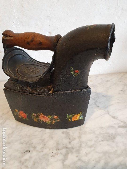 PLANCHA DE CARBON ANTIGUA (Antigüedades - Técnicas - Planchas Antiguas - Carbón)