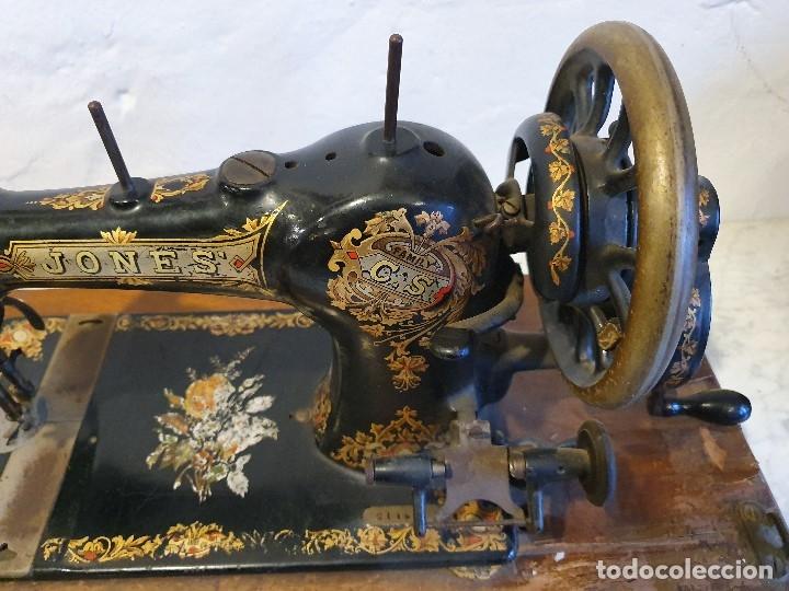 Antigüedades: MAQUINA DE COSER PORTATIL JONES - Foto 2 - 180906571