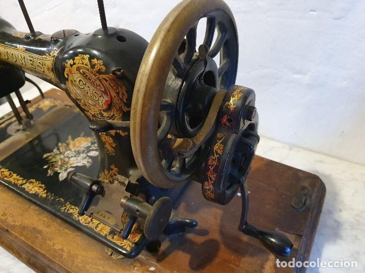 Antigüedades: MAQUINA DE COSER PORTATIL JONES - Foto 3 - 180906571