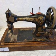 Antigüedades: MAQUINA DE COSER PORTATIL SINGER. Lote 180906588