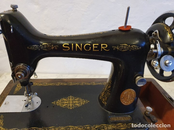 Antigüedades: MAQUINA DE COSER PORTATIL SINGER - Foto 2 - 180906605