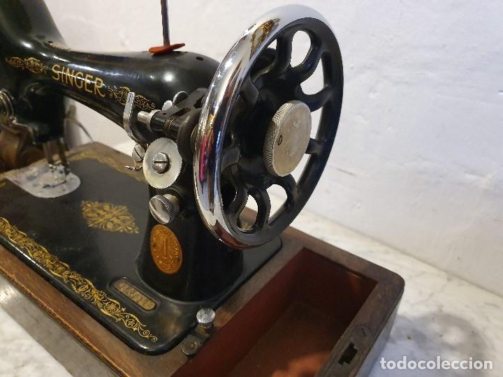 Antigüedades: MAQUINA DE COSER PORTATIL SINGER - Foto 3 - 180906605