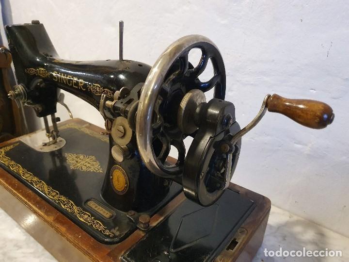 Antigüedades: MAQUINA DE COSER PORTATIL SINGER - Foto 3 - 180906627