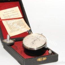 Antigüedades: ANTOGUO MANOMETRO EN ESTUCHE ORIGINAL. APROX. AÑOS 1950S. Lote 205592646