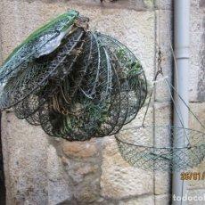 Antiquités: LOTE DE 12 RETELES PESCA CRUSTACEOS RIO CANGREJO ETC O MAR , REJILLA ALUMINIO ANODIZADO + INFO. Lote 285269648