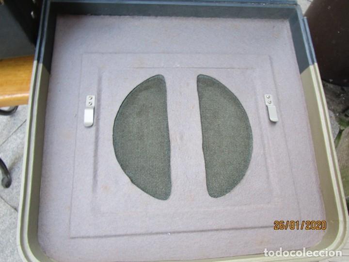 Antigüedades: ANTIGUO PROYECTOR SONORO Y PORTATIL 16MM BELL & HOWELL, MODELO 630 PROJECTOR - VER FOTOS + INFO - Foto 13 - 181153485