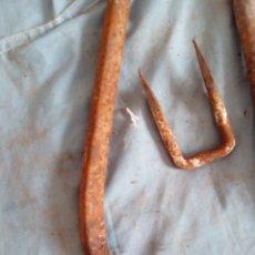 Antigüedades: 2 CLAVOS . Lote 181155358