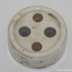 Antigüedades: ANTIGUO ENCHUFE DE PORCELANA 6 A - 250V. Lote 181219295