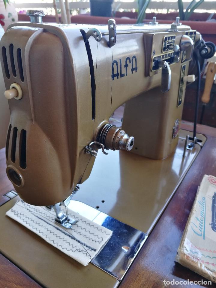 Antigüedades: Máquina de coser ALFA - Foto 4 - 181415473