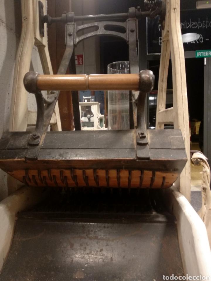 Antigüedades: Aparato, antigua máquina cardar lana - Foto 3 - 181424857