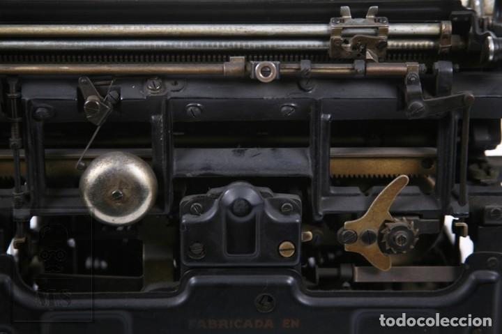 Antigüedades: Antigua Máquina de Escribir Hispano-Olivetti M 40 / H.O. S.A. - Barcelona, Años 30 - Foto 6 - 181454350