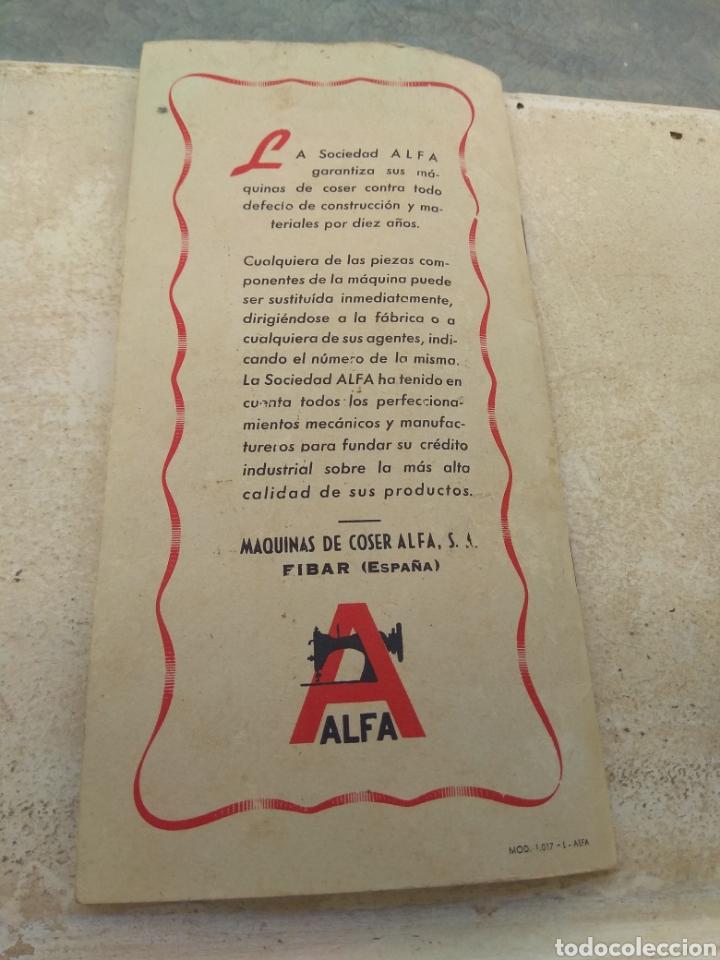 Antigüedades: Libro de Instrucciones Máquina de Coser Alfa de Bobina Central modelo 20 A - Foto 7 - 181482110
