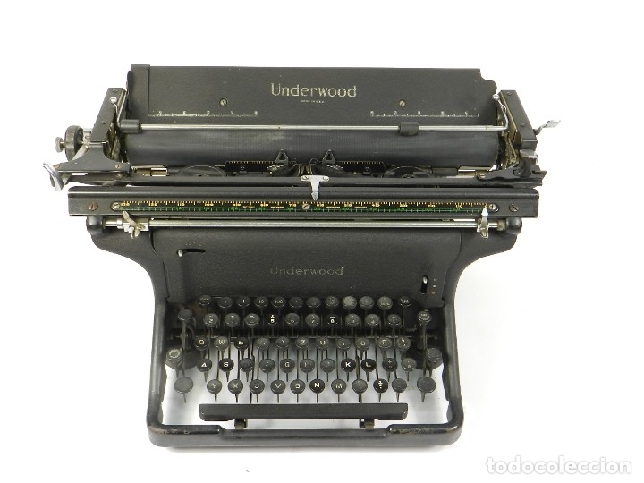 Antigüedades: MAQUINA DE ESCRIBIR UNDERWOOOD STANDARD AÑO 1940 TYPEWRITER SCRHEIBMASCNINE - Foto 2 - 181496931