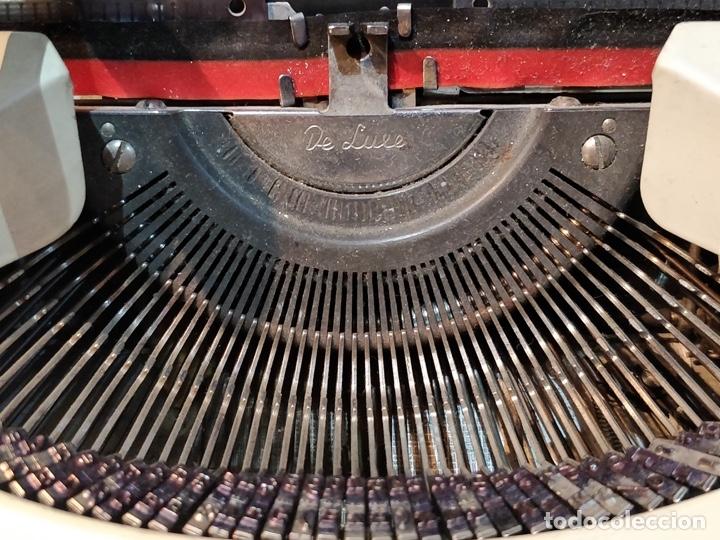 Antigüedades: Máquina de escribir OLYMPIA de Luxe con maletín de transporte - 32 x 33 x 9.5cm - Foto 3 - 181546430