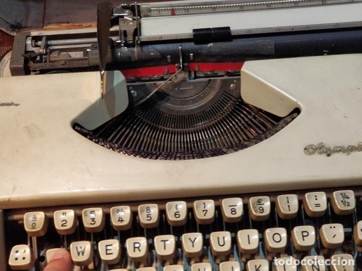 Antigüedades: Máquina de escribir OLYMPIA de Luxe con maletín de transporte - 32 x 33 x 9.5cm - Foto 6 - 181546430