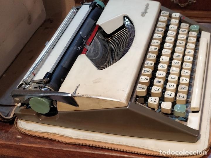 Antigüedades: Máquina de escribir OLYMPIA de Luxe con maletín de transporte - 32 x 33 x 9.5cm - Foto 7 - 181546430