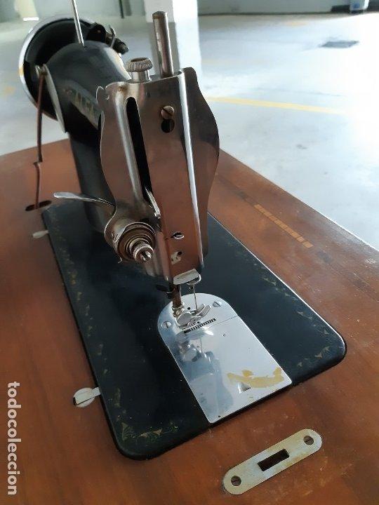Antigüedades: Antigua máquina de coser ALFA ( leer descripción) - Foto 3 - 181555312