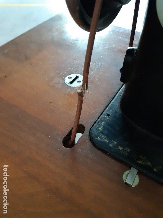 Antigüedades: Antigua máquina de coser ALFA ( leer descripción) - Foto 4 - 181555312