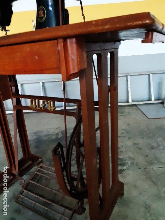 Antigüedades: Antigua máquina de coser ALFA ( leer descripción) - Foto 8 - 181555312