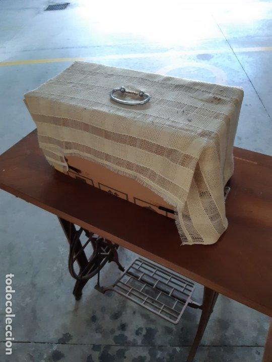 Antigüedades: Antigua máquina de coser ALFA ( leer descripción) - Foto 11 - 181555312