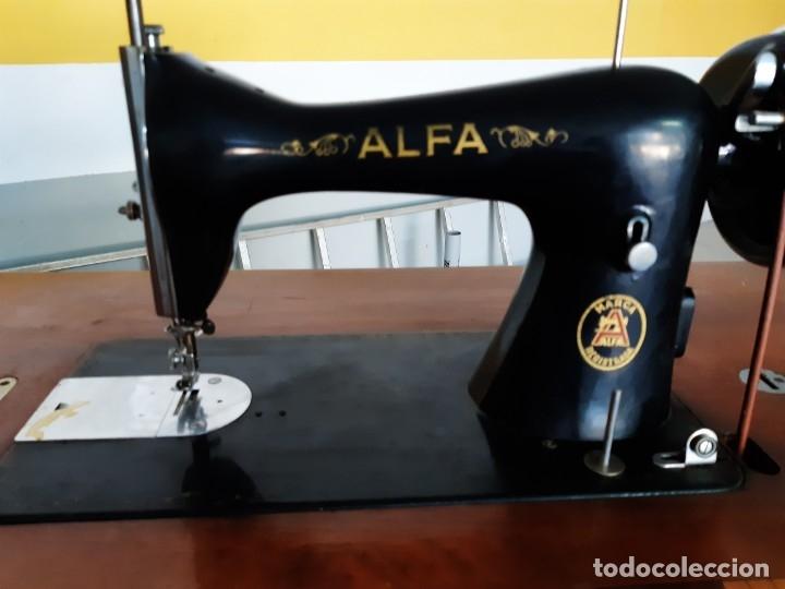 Antigüedades: Antigua máquina de coser ALFA ( leer descripción) - Foto 13 - 181555312