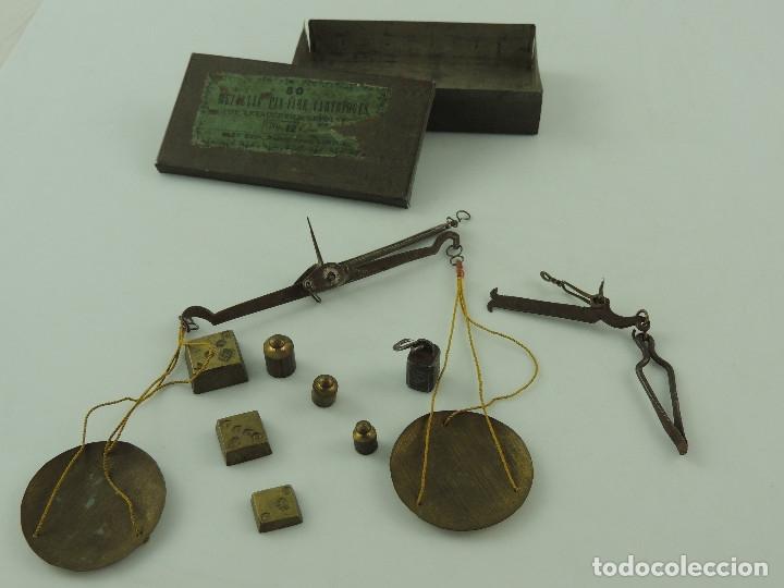 IMPRESIONANTE BALANZA DE PRECISIÓN DE FARMACIA O JOYERÍA, CON JUEGO DE PESAS (Antigüedades - Técnicas - Medidas de Peso - Balanzas Antiguas)