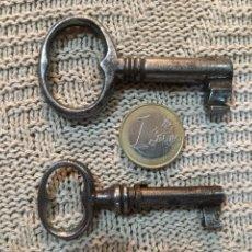 Antigüedades: DOS LLAVES HUECAS ANTIGUAS. Lote 181615570