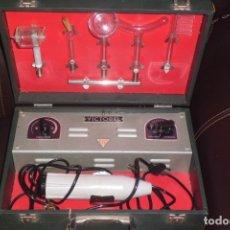 Antigüedades: APARATO DE ELECTROESTIMULACION COMPLETO, AÑOS 50-60. Lote 181777972