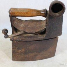 Antigüedades: PLANCHA DE CARBÓN ANTIGUA. Lote 181851388