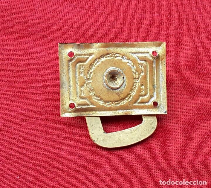 Antigüedades: Tirador latón y bronce dorado,estilo imperio. 4 x 3 cm. Años 30, Perfecto estado - Foto 3 - 181882016